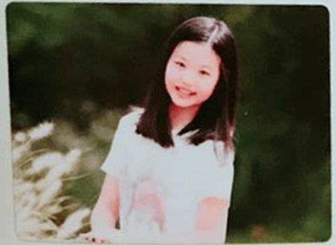 チャン・ウォニョンの子供時代장원영4.png