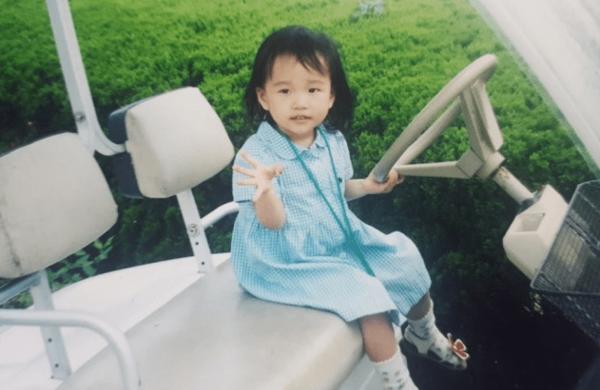 チョ・ユリの子供時代조유리7.png