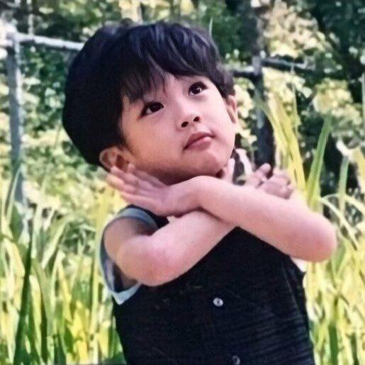 ミンギュの子供の頃の写真